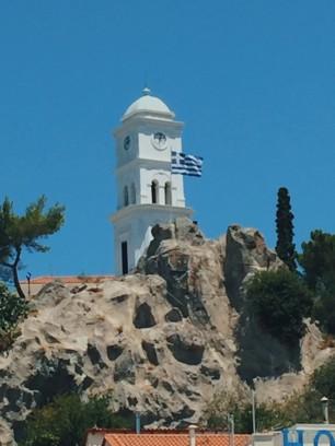 La Torre del Reloj desde el mar