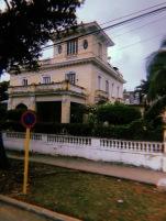 Mansiones españolas a lo largo de la avenida