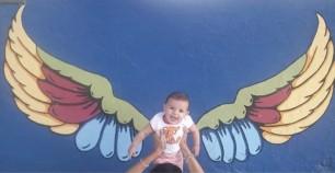 Algunas de las fotos tomadas por los vecinos posando en el mural.